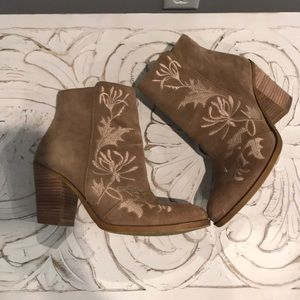 Lucky Brand Elenor Suede Boot